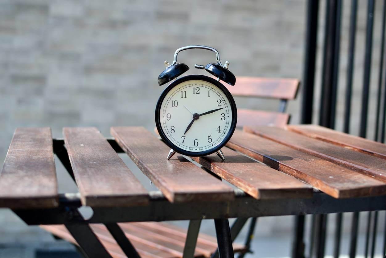睡眠時間の理想は平均で何時間?寝不足を解消するなら睡眠の質も高めよう