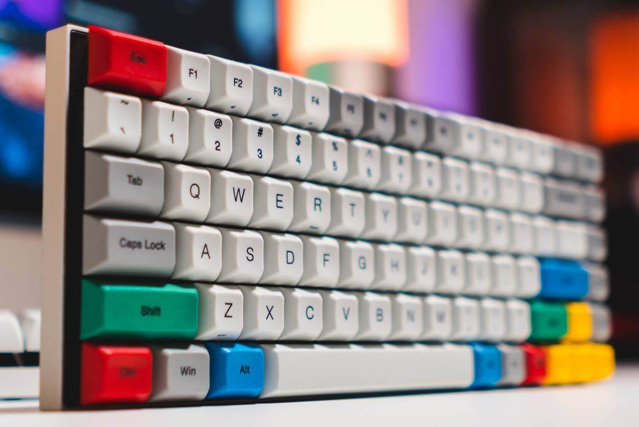 プログラマーにおすすめのキーボード2選【仕事道具には拘ろう】