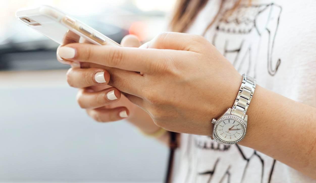 新型iPhone SE(第2世代)はオンラインショップで購入しよう